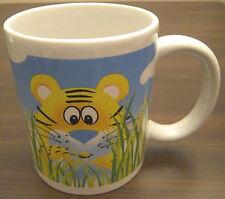 Kaffeebecher Kaffeepott große Tasse Becher Pott kleiner Tiger im Gras Neu