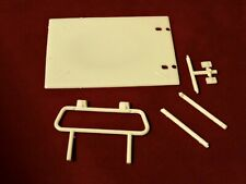 AMT 1978 Ford F-150 Bed Cover and Roll Bar 1/25
