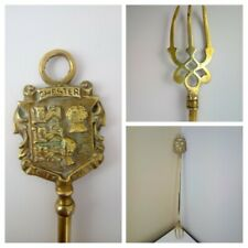 More details for vintage 1950s - brass toasting fork - chester city arms - 19.2