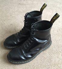 DR Martens Liscio Nero Stivali UK 9 Doc DMS Classic Air Wair Scarpe guasto
