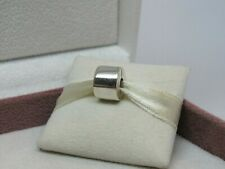 New w/Box Pandora Plain Sterling Silver Charm Clip #790138 RARE AND RETIRED