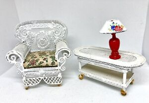 Dollhouse Victorian White Wire Mesh Front Porch Chair Table Metal Lamp Furniture