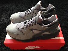NIKE AIR HUARACHE LE UK 11 COOL GREY SUEDE OG LOVE BLACK HATE WHITE TRIPLE RARE