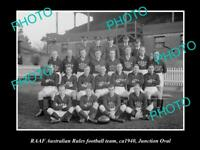 OLD POSTCARD SIZE PHOTO OF RAAF AIR FORCE FOOTBALL TEAM c1940 JUNCTION OVAL