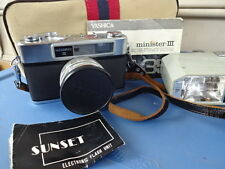 Old Vtg Yashica Minister 3 with Flash Attachment and Instructions Made In Japan