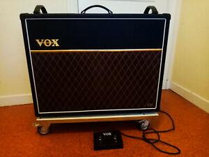 AMPLIFICADOR DE GUITARRA Vox AC30VR Hybrid + pedal vox