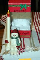 CRESSWELL LIGHTING COLLECTABLES © • HOLIDAY SNOWMAN WELCOME LIGHT & SHELF SITTER