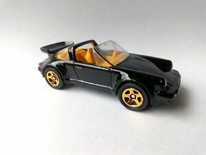 HOT WHEELS Porsche 911 SC TARGA FAO Schwarz Gold III Set