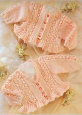 "Baby Double Knitting Pattern Frilled Edge Tree & Bobble - 16""-26"" (41-66cm)"