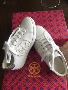 Tory Burch white Leather sneakers. Metallic Rose gold T-Logo. 6.5. New with box