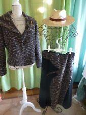 T 44- femme  jupe et veste  SERGE LAMA   NOIR ,MARRON CHINé,broche papillon