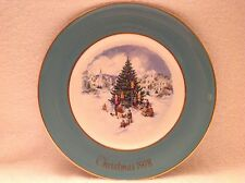 Trimming The Tree,1978,Collector Plate,Wedgwood,Christmas, Avon.Limited Edt.