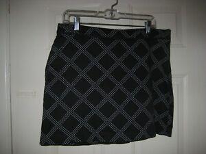 Golf Skort Izod Performx Size 8 Pockets Black 2F 1B Preowned Excellent condition