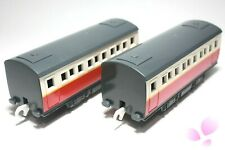 Set of 2 Red Express Passenger Coaches Yellow Line Tomy Trackmaster Thomas Train