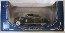 Signature Models 1939 Lincoln Zephyr Convertible 1/32 Plastic Display Case NIB