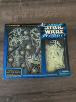 Star Wars Episode 1 Illuminations Glow-in-the-dark BATTLE ZONE Action Wall Scene