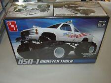 AMT 632 USA-1 4 x 4 Monster Truck Plastic Model Kit 1/25