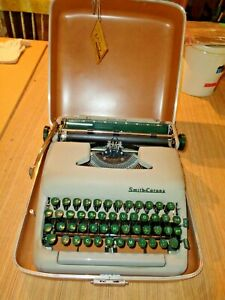 Vintage Smith Corona Silent Super Working Portable Typewriter with Case