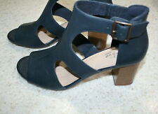 Women's Clarks Navy Blue Leather Ankle Strap Sandal Stacked Heel 7.5 NIB