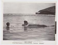 ELVIS PRESLEY BLUE HAWAII PARAMOUNT 1961 ORIGINAL 8X10 PHOTO WITH JOAN BLACKMAN