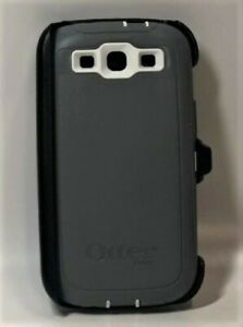 OtterBox Defender Series Rugged Protection Samsung Galaxy S III Gray