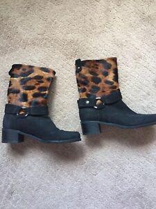 Stuart Weitzman Black Suede Booties Boots With Leopard Calfhair Sz 5
