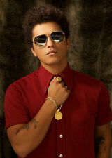 BRUNO MARS UNSIGNED PHOTO - 9069 - WHEN I WAS YOUR MAN, THE LAZY SONG & GRENADE