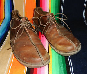 CLARKS Vtg Chukka Boot Shoes BROWN Distressed Leather Hiking Crepe Sole Mens 10