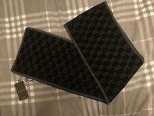 """BNWT LADIES """" GUCCI """" BLACK & GREY GG PRINT 100% CASHMERE SCARF - 23 X 200 CM !"""