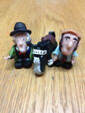 """3 x On The Buses 2.5/"""" Figurines Mum Arthur Olive Clay Cake Topper"""