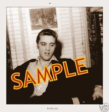 ELVIS PRESLEY GOLD STAGE OUTFIT 5x7 SNAPSHOT & relaxing 50`s NEW SET(2)with gift