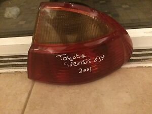 2001 TO 2003 TOYOTA AVENSIS SALOON OSR DRIVER REAR LIGHT / LAMP / CLUSTER