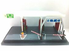 HIGHWAY TOLLBOOTH DIORAMA DISPLAY CITY SCENE 1:64 CHORO Q TOMICA CAR SSS-018M