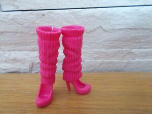 paire de chaussures  pour poupée    BARBIE de mattel