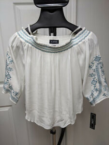 NEW  A Byer white off the shoulder blouse