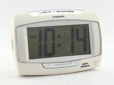 Champion despertador automático Sensor de luz crescendo repetición de alarma 12/24hr Batería Red