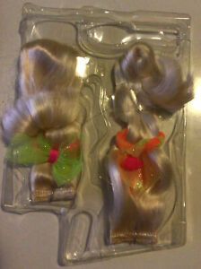 1994 Cut and Style Barbie Attachable Hair Refills Blonde