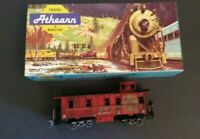 Athearn HO Scale 1259 ATSF Sante Fe Caboose 999005 With Box