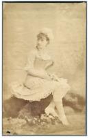 Actrice  Vintage albumen print Tirage albuminé  11x16  Circa 1880