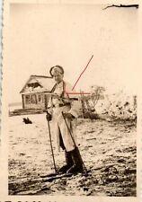 10134/ Originalfoto 6x9cm, Soldat, Wintertarn, MP 40