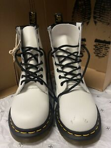 Dr. Martens 1460 Women's Smooth Leather Lace Up Boots - White [7W] *PRE-OWNED*