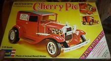 REVELL 1931 FORD PANEL MOTHERS CHERRY PIE VINTAGE Model Car Mountain 1/25 1973