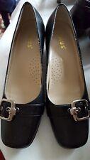 lotus ladies size 4 formal shoes.