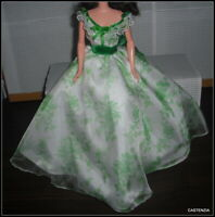 DRESS BARBIE DOLL GONE WITH THE WIND DOLL WHITE GREEN EVENING GOWN ACCESSORY