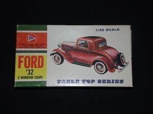 Revell, PYRO 1/32 FORD 32 3 Window Coupe Car Model kit