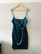 New Look Brand New Size 16 Green Wow Strappy Velvet Dress Party Formal V Neck