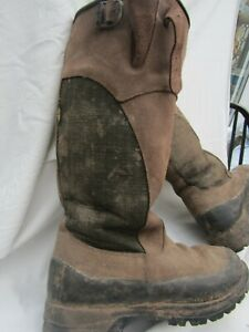Le CHAMEAU knee length (mens or womens ) boots size 9.with case.