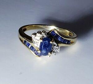 Lovely 10k Yellow Gold Natural Sapphire & Diamond Ring Size 7 /Anillo de Oro