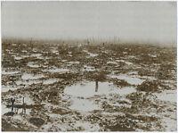 Gr. Orig-Pressephoto, 1. Weltkrieg. Trichterfeld vor Ypern um 1917