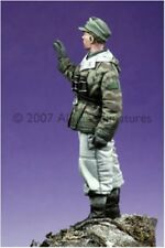Alpine Miniatures 1:35 WWII Panzer Crew Winter Uniform Resin Figure #35037